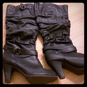 Rampage Black ruched boots